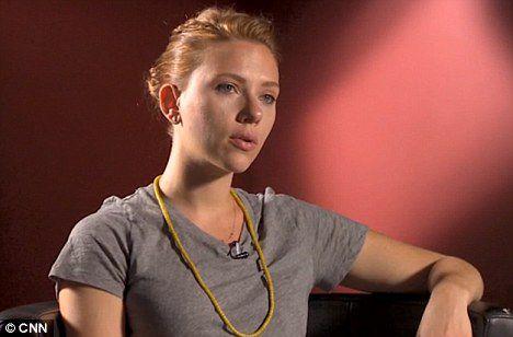 Скарлетт Йоханссон просит уважать ее частную жизнь