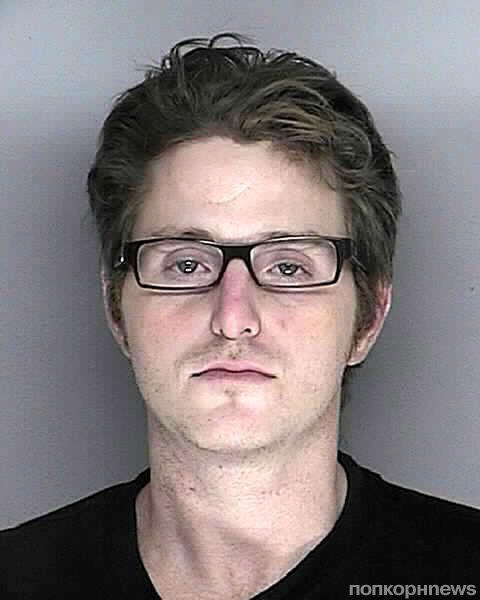 Сын Майкла Дугласа снова попался на наркотиках