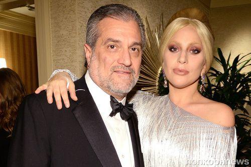 Леди Гага и ее отец выпустят книгу кулинарных рецептов