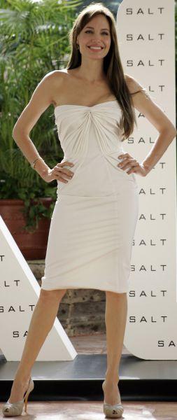 Анджелина Джоли взяла детей в Мексику