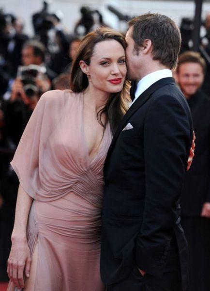 Дети Анджелины Джоли называют свою няню мамой