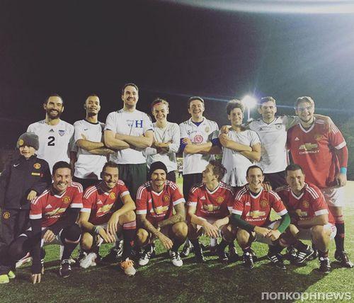 Дэвид Бекхэм сыграл в футбол со старшим сыном и Гарри Стайлсом