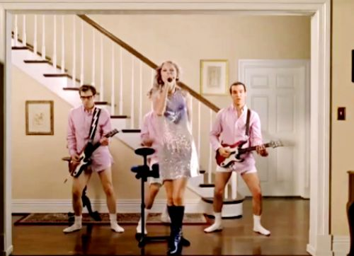 Тэйлор Свифт в рекламе игры Activision's Band Hero
