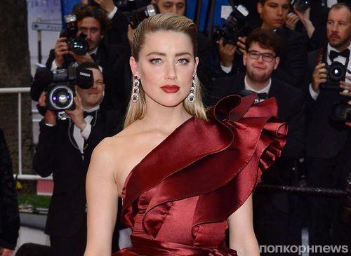 Вечернее платье с сапогами: Эмбер Херд удивила необычным образом на премьере фильма «Боль и слава» в Каннах