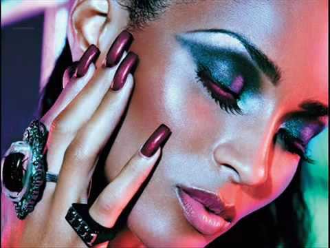 Новый клип Ciara - Speechless