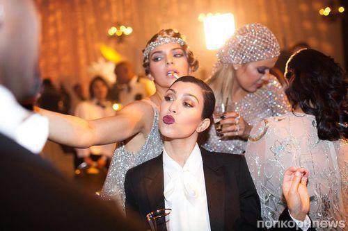 Кортни Кардашьян показала откровенное видео с вечеринки Крис Дженнер