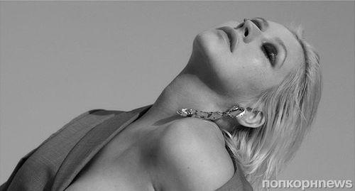 Кристина Агилера снялась с обнаженной грудью ради пиара нового альбома