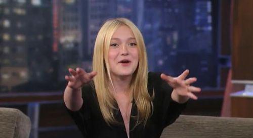 Видео: Дакота Фаннинг на Jimmy Kimmel Live