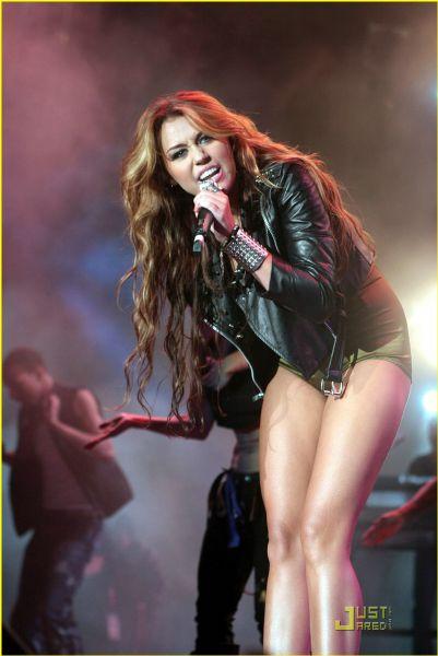 Выступление Майли Сайрус в Лиссабоне на  Rock In Rio