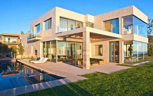Виктория и Дэвид Бэкхем арендовали в Малибу особняк на лето