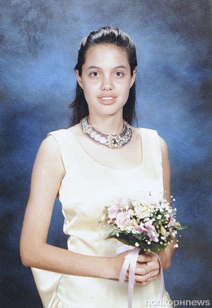 Школьные фотографии Анджелины Джоли