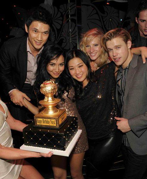 """Звезды сериала """"Хор/Glee"""" на дне рождения Найи Риверы"""