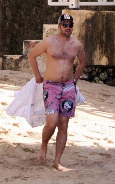Джерард Батлер на Барбадосе