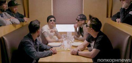 Blink-182 и Linkin Park отменили совместный тур после смерти Честера Беннингтона