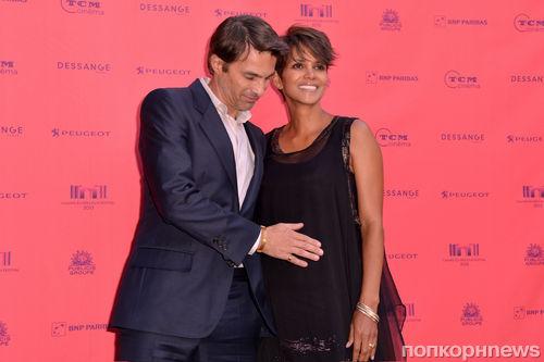 Холли Берри и Оливье Мартинес на фестивале The Champs Elysees