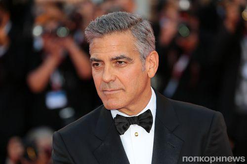 Джорджа Клуни сбила машина в Италии