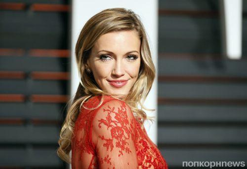 Звезда «Стрелы» Кэти Кэссиди объявила о помолвке