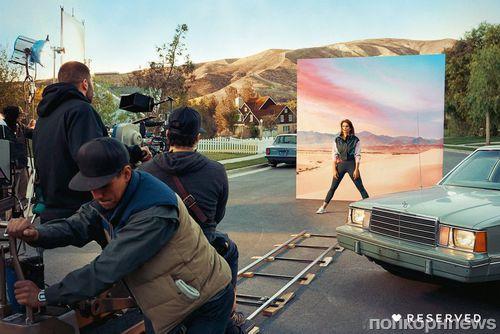 Видео: Синди Кроуфорд и звезда «Очень странных дел» Дакре Монтгомери в рекламе Reserved