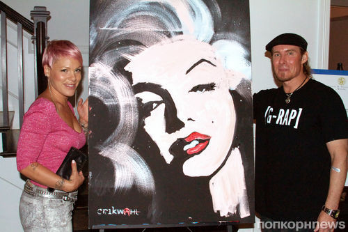 Пинк приобрела изображение Мэрилин Монро за 10 тысяч долларов