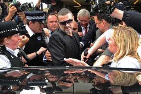 Джордж Майкл признался в вождении в нетрезвом виде