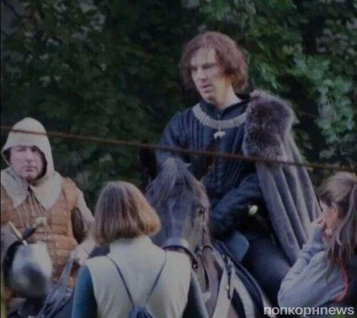 Бенедикт Камбербэтч в роли Ричарда III на съемках сериала «Пустая корона»