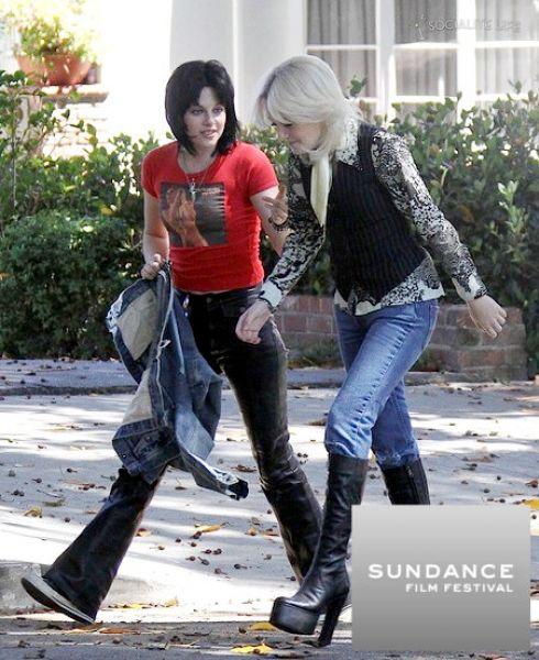 Кристен Стюарт и Дакота Фаннинг представят фильм The Runaways на фестивале в Сандэнс
