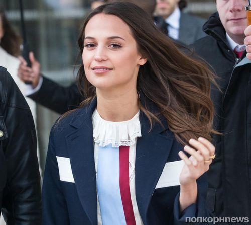 Алисия Викандер заменит Анджелину Джоли в продолжении «Лары Крофт»