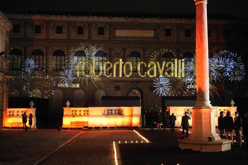 Звезды празднуют 40-летие Роберто Кавалли в мире моды