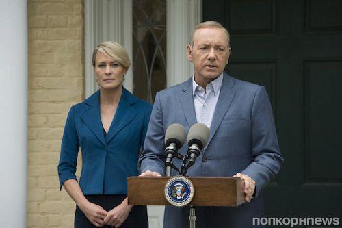 Сценаристы «Карточного домика» спешно переписывают 6 сезон после увольнения Кевина Спейси