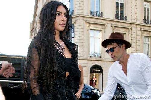 Журналист Виталий Седюк напал на Ким Кардашьян на Неделе моды в Париже