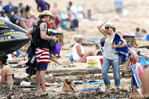Дэкс Шепард и Кристен Белл отдыхают на Гавайях