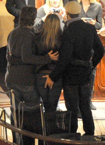 Джерард Батлер объяснил скандальное фото с Дженнифер Энистон
