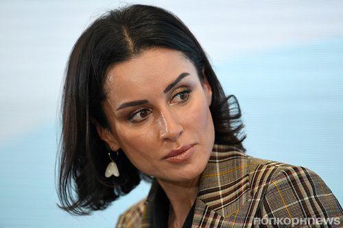 «Ролевая модель – Золушка»: Тина Канделаки раскритиковала феминисток