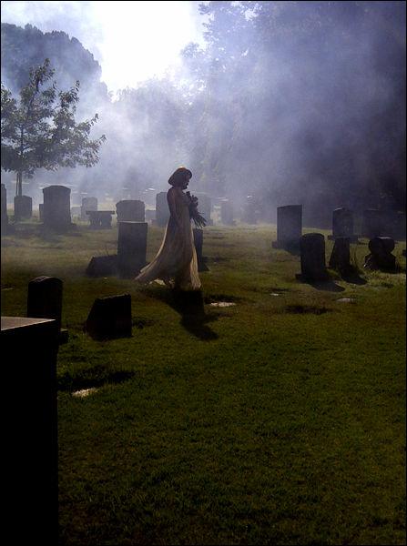 Новый клип Лены Катиной «Never Forget»