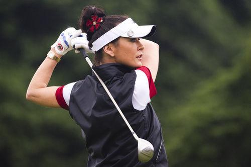 Кэтрин Зета-Джонс. Мэттью МакКонахи и Хью Грант на турнире по гольфу в Китае