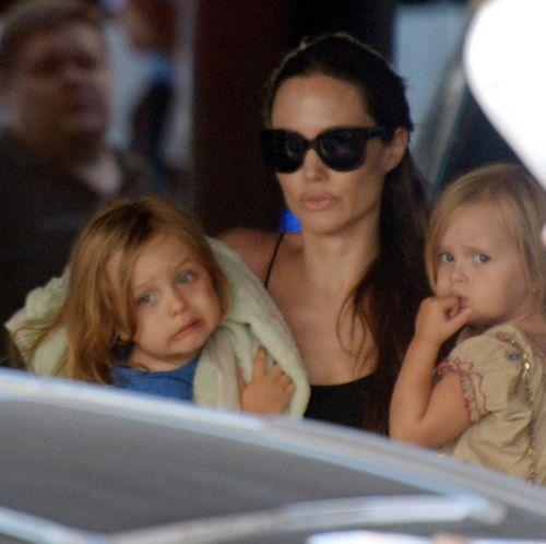 Анджелина Джоли с близнецами и Шайло