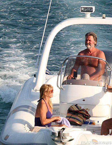 Голди Хоун и Курт Рассел в Греции