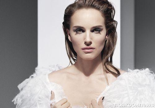 Натали Портман в рекламной кампании Diorskin Star Foundation