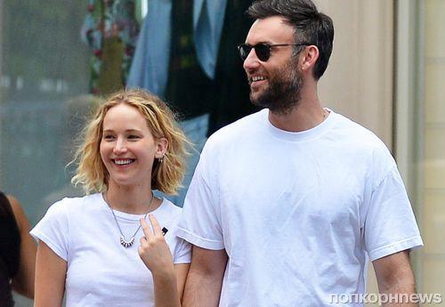 По-прежнему вместе: Дженнифер Лоуренс и ее нового бойфренда сфотографировали на прогулке в Лос-Анджелесе