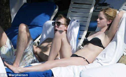 Эмма Уотсон с бойфрендом на пляже