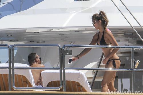 Николь Шерзингер и Льюис Хамильтон отдыхают на яхте