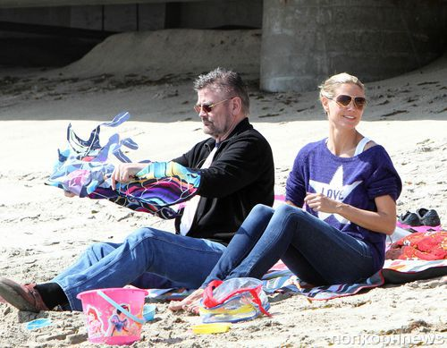 Хайди Клум на пляже с семьей