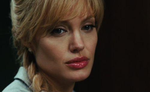Интервью c Анджелиной Джоли с субтитрами к фильму «Солт»