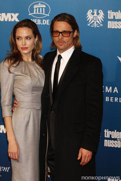 Анджелина Джоли и Брэд Питт на вечере Cinema For Peace в Берлине