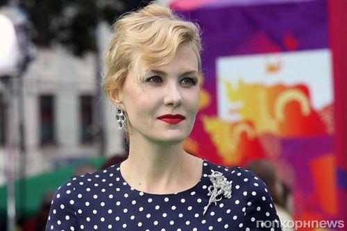 «Платья можно носить и так»: Рената Литвинова разделась для новых снимков в Instagram