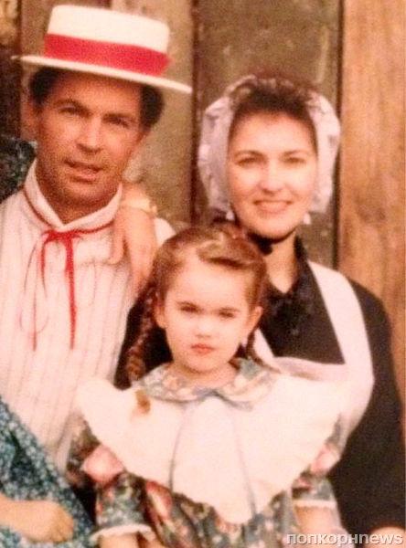 Меган Фокс поделилась своим детским фото с «дикого Запада»