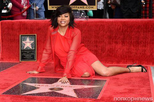Фото: Тараджи П Хенсон получила звезду на голливудской Аллее славы