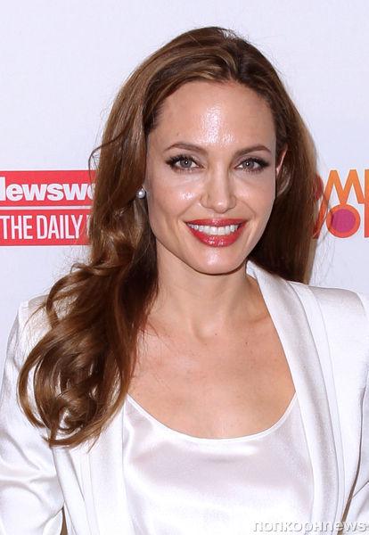 Анджелина Джоли открывает школу для девочек в Афганистане