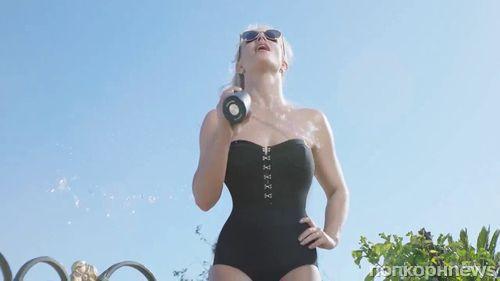 В купальнике и с гантелями: Бритни Спирс снялась в рекламе своих новых духов
