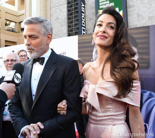 СМИ: Джордж Клуни уже полгода не видел своих детей